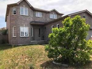 BARRIE HOUSE FOR RENT 4 BDR 3 WSHR