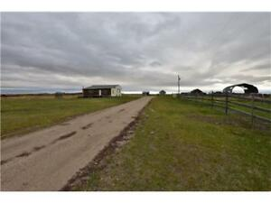 18.1 ACRE HOBBY FARM ONLY 15 MINUTES FROM GP. IMMACULATE VIEWS!