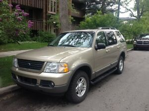 GREAT CONDITION: 2002 Ford Explorer XLT SUV, Crossover