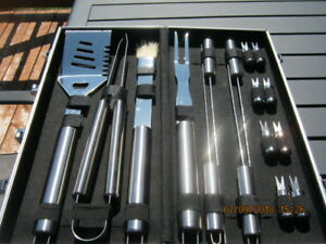 MASTER CHEF, 16 PIECE,BBQ,SET,STAINLESS STEEL,CARRING CASE.
