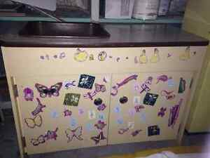 New price!!Adorable hand made kitchen set. New Price!!! Kitchener / Waterloo Kitchener Area image 3