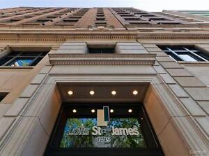 **** Luxurious furnished 1 bedroom condo downtown REDUCED ****