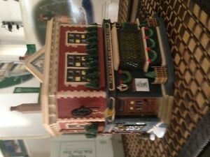 Dept 56 - Dickens Village Series, The Horse and Hounds Pub, Reti