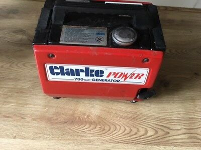 Clarke power 700 watt generator