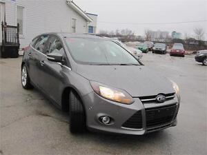 2013 Ford Focus Titanium Carproof clean,Navigation, Back up Cam