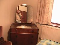 SOLID WOOD DRESSING TABLE WITH MIRROR