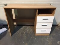 NEW OAK EFFECT DESK WITH WHITE GLOSS DRAWERS