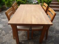 Solid Oak Extending Table & 4 Chairs in Excellent Condition