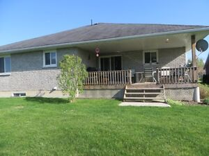 3 Bedroom Home, Bungalow, for Sale in Campbellford (Trent Hills) Peterborough Peterborough Area image 4
