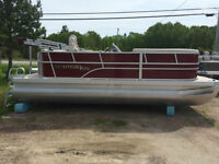 2015 Montego Bay Deluxe Red 18' Pontoon Cruise WITH 60HP ELPT