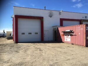 1400 sq.ft. commercial bay for rent