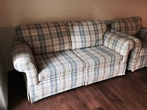 HIGH END LOVE SEAT & CHAIR FINAL REDUCTION FOR  XMAS Kawartha Lakes Peterborough Area image 3