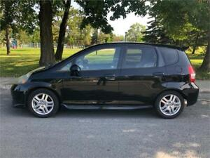 2007 Honda Fit,MANUEL, 4 CYLINDRES 1.5 LITRES , AC, TOUTE EQUIPE