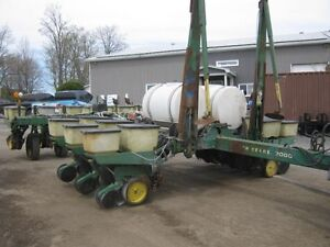 John Deere 7000 Planter Cambridge Kitchener Area image 2