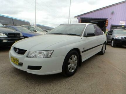 2005 Holden Commodore VZ Executive White 4 Speed Automatic Sedan North St Marys Penrith Area Preview