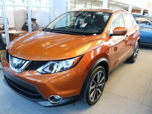 2017 Nissan Qashqai SL PLATINUM, AWD, NAVIGATION, LEATHER, SUNRO