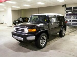 2013 Toyota FJ Cruiser Urban, Backup Camera, Mud Lamps, Key-less