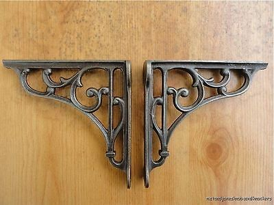 A PAIR OF SMALL CLASSIC VICTORIAN SCROLL SHELF BRACKETS 5 INCH BRACKET CAST IRON