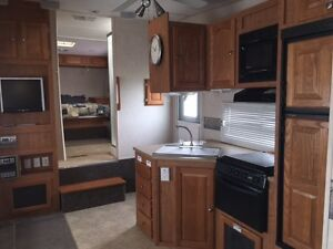 5th Wheel w/ Bunks - Mint Condition
