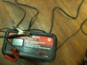 Moto Master Automatic Battery Charger with Engine Start/ Used
