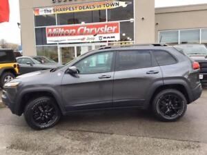 2016 Jeep Cherokee TRAILHAWK 4X4 / VENTED LEATHER SEATS / NAV