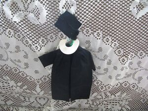 BARBIE DOLL 0945 1963-64 BLACK GRADUATION GOWN,COLLAR,HAT, SHOES