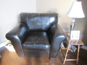 Chair, bonded leather Kitchener / Waterloo Kitchener Area image 1