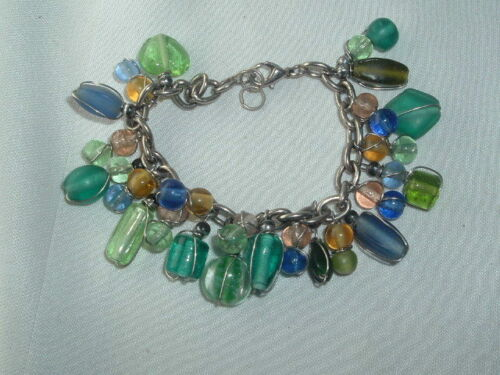 VINTAGE GREEN & BLUE GLASS DANGLE BEAD CHARM BRACELET