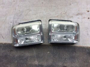 2006 Ford F350 headlights