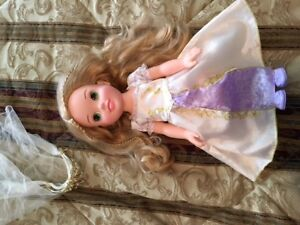 BEAUTIFUL DISNEY RAPUNZEL DOLL 15 inch.