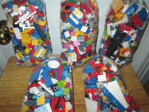 LEGO,LEGO.LEGO!!! 400+ PCS/MC PER BAG/PAR SAC $25 EA/CH!!!***