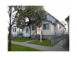 3BedRoom3Bath House By Arlington and Redwood