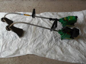 2 Gas Weed Eater / Grass Trimmers