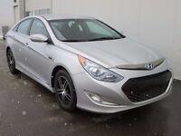 2013 Hyundai Sonata Hybrid  Sedan $134 Bi-Weekly One Owner!