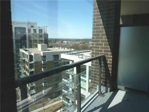 Luxury 1BR+Den+2WR Condo in Downtown Markham! Close to Hwy