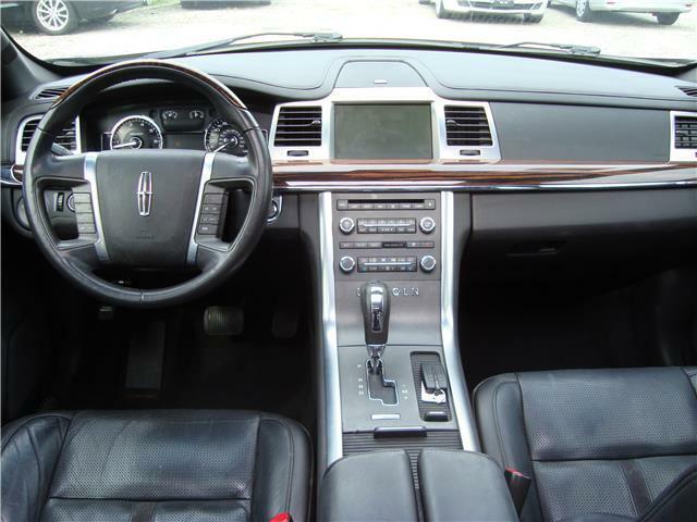 Image 10 Salvaged Lincoln MKS 2009