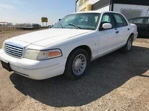2001 Ford Crown Victoria LX Only $2200 Safetied!