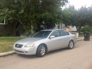 Selling Nissan Altima 2002 2.5 SL