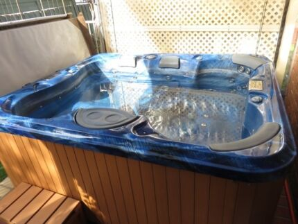 5 Person Outdoor Hydrotherapy Spa. Altona Meadows Hobsons Bay Area Preview