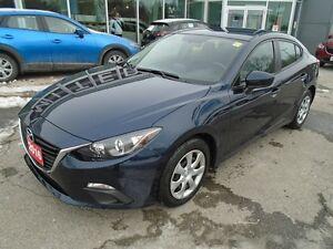 2016 Mazda Mazda3 **UNLIMITED KM WARRANTY!** LIKE NEW & WAY LESS