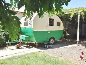 1948 Beautifully Restored Vintage Caravan Cranbourne Casey Area Preview