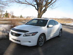 2008 Honda Accord blanc Coupé (2 portes)