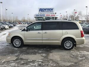 2012 Chrysler Town & Country Limited fully loaded great shape