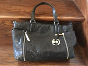 Michael Kors hand bag handbag