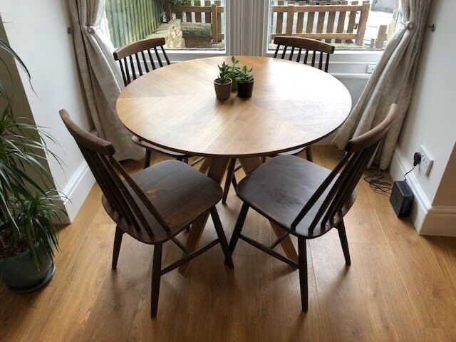 John Lewis Walnut Radar 4 Seater Round Dining Table 1 Year Old