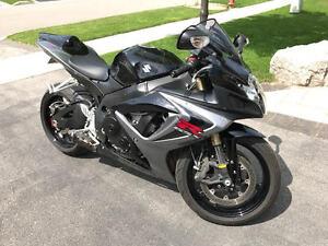 2006 Suzuki GSX-R 600 Sport Motorcycle -Black/Gray