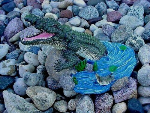 Alligator African crocodile ~ Wildlife ~ Figurine, Statue
