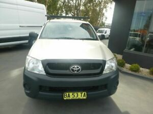 2009 Toyota Hilux TGN16R MY10 Workmate Silver 5 Speed Manual Utility