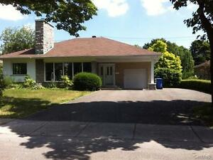 Will buy your house, bungalow in Montreal - 280,000$