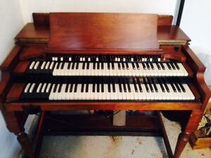 Hammond Organ (1935) Great Condition with Bass Pedals